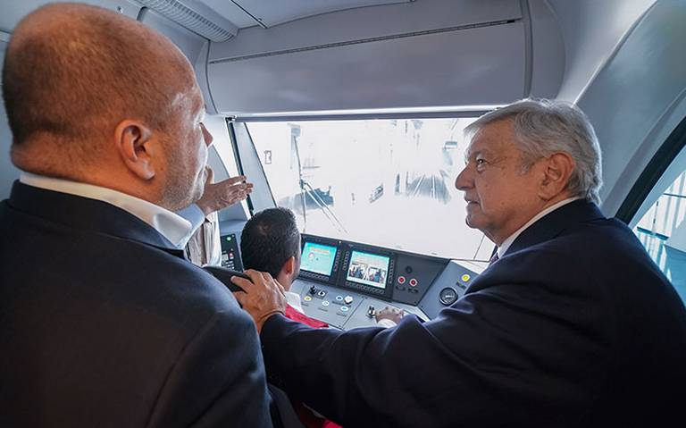 """AMLO recorre la L3 del Metro de Guadalajara, """"en diciembre estará lista"""""""