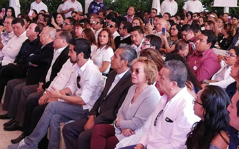 Elba Esther Gordillo visita Puebla y califica de mediocre al SNTE