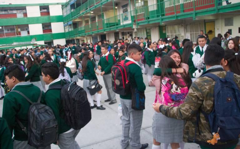 Alrededor de 4.8 millones de niños y adolescentes no asisten a la escuela: INEE