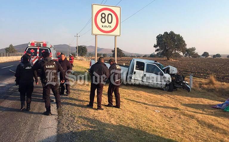 Camioneta que transportaba migrantes sufre accidente en Tlaxcala; hay 14 heridos