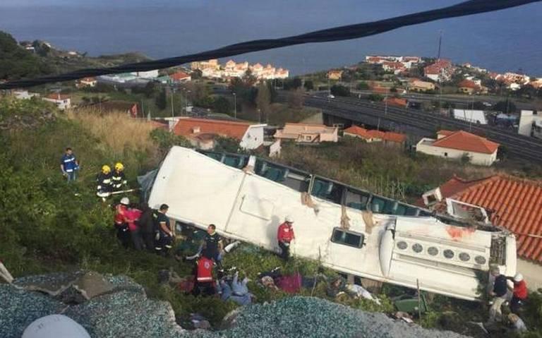 Accidente de autobús turístico en Madeira, Portugal deja al menos 28 muertos