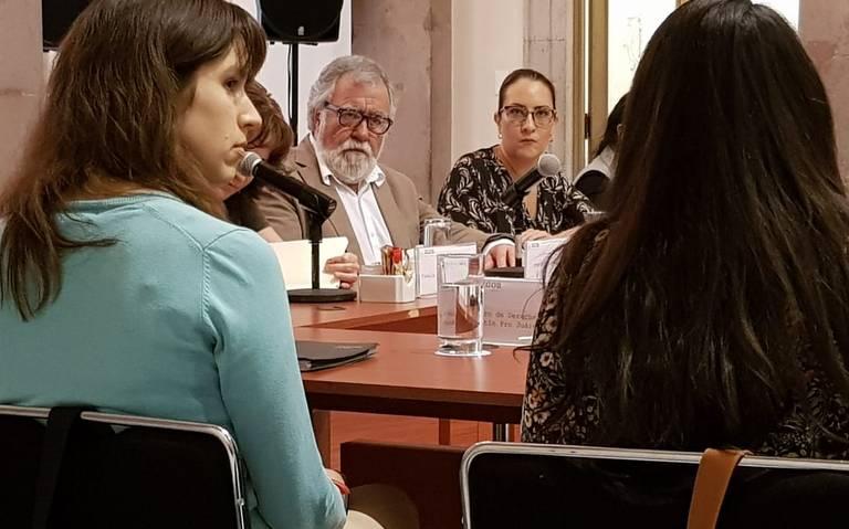 Encinas se reúne con mujeres violadas en Atenco tras represión estatal