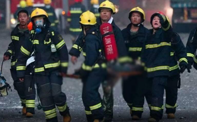 Mueren al menos 30 bomberos en incendio forestal en China