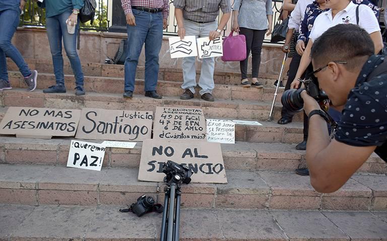 Exigen a AMLO detener violencia contra periodistas