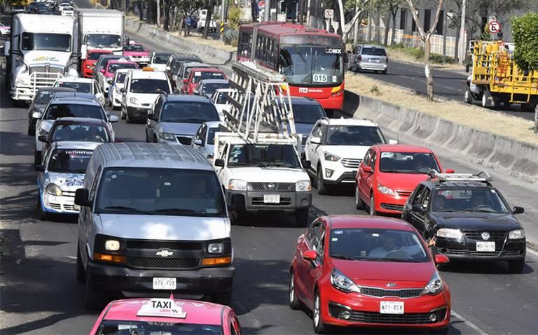 A pesar de contingencia, todos los autos podrán circular a partir de las 18:00 hrs