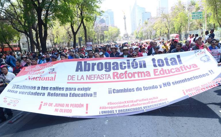 CNTE busca reinstalar a profesores cesados