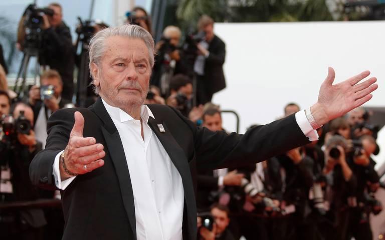Delon recibe la Palma de Honor en Cannes
