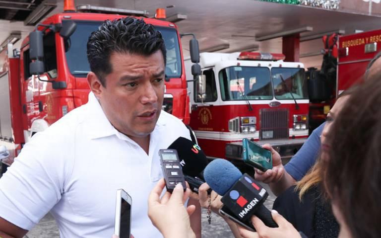 Inhabilitan por un año a Ismael Figueroa, líder de bomberos en CDMX