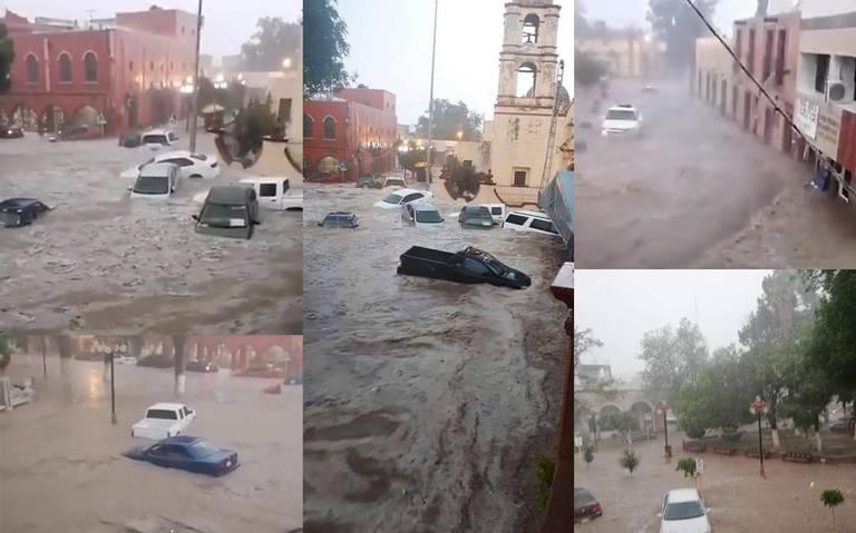 Tromba sorprende a potosinos en Matehuala, corriente arrastra autos