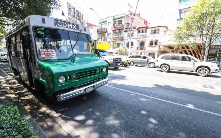 Critican abandono de chatarrización de microbúses