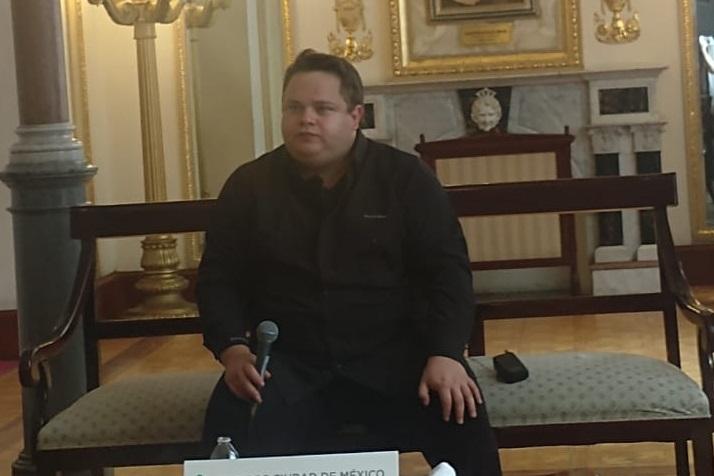 """Rodrigo De La Cadena Presenta  """"Conversación en Tiempo De Bolero"""""""