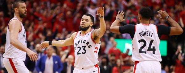 Los Raptors empataron la serie en el Este
