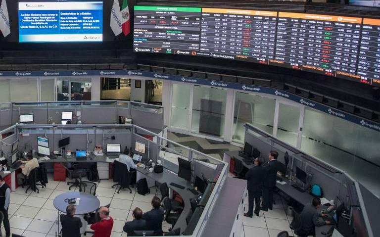 Bolsa mexicana cae más de 2% en apertura por aranceles de Trump