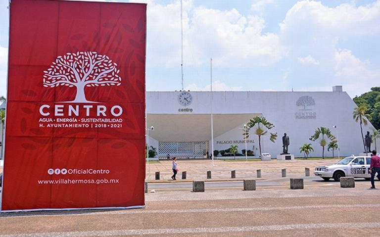 Da Evaristo marcha atrás en venta de Palacio y privatización del agua