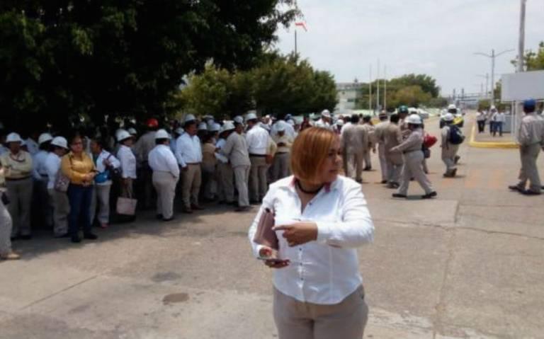 Evacua Pemex complejo petroquímico de Pajaritos por supuesta amenaza de bomba