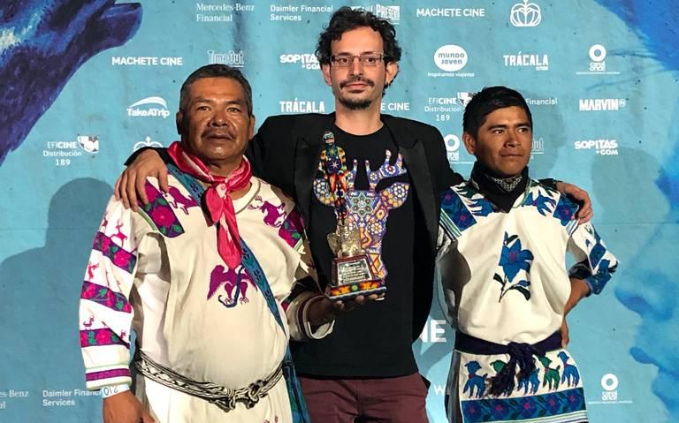Rinden homenaje a la cultura huichol con cinta El sueño del Mara'kame