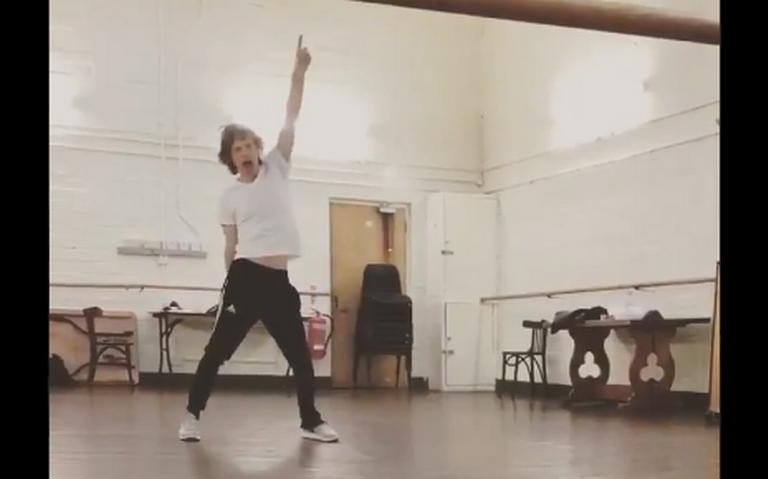 ¡Mick Jagger está de regreso! salta y baila tras su operación de corazón