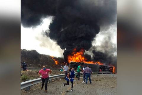 Fatal accidente en autopista Puebla-Orizaba deja 20 muertos