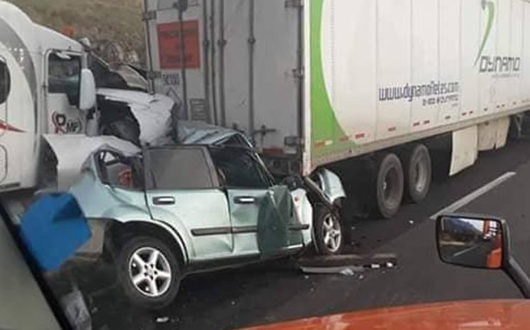 Pierde la vida por aparatoso accidente en la autopista Arco Norte