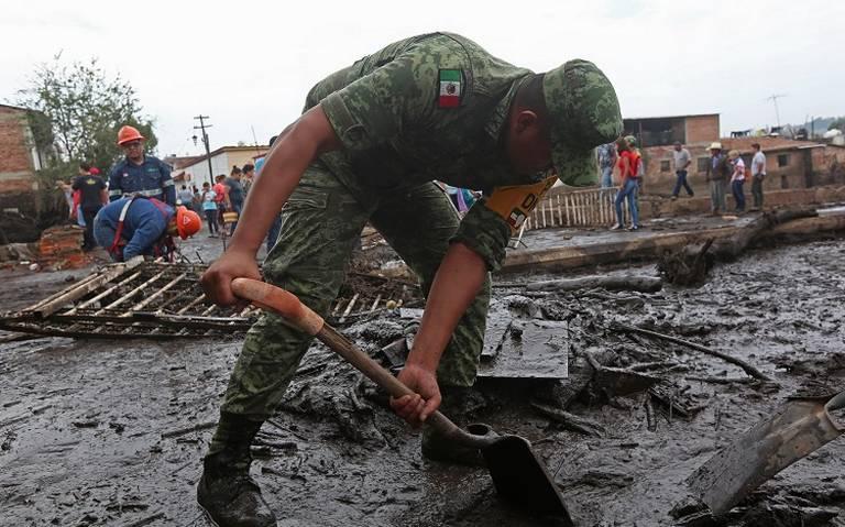 Confirman dos muertos tras desbordamiento de río en San Gabriel, Jalisco