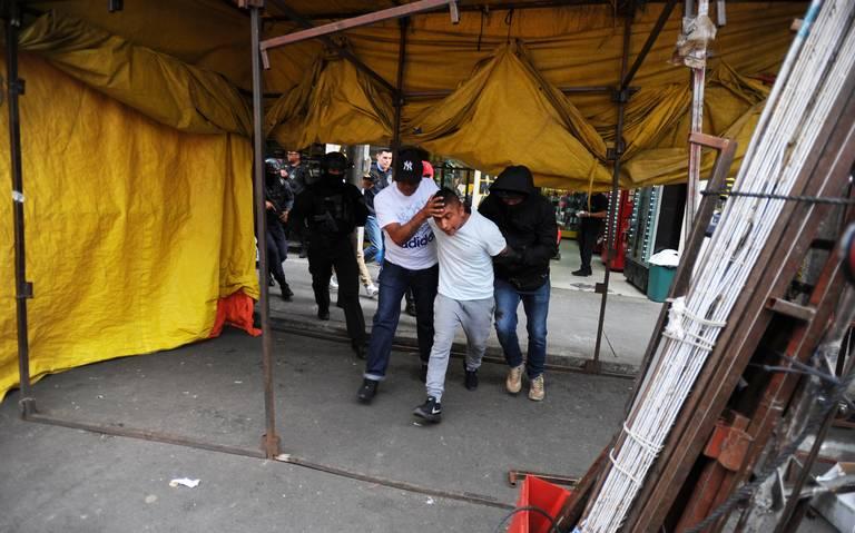 Caen cuatro sujetos en Tepito por narcomenudeo
