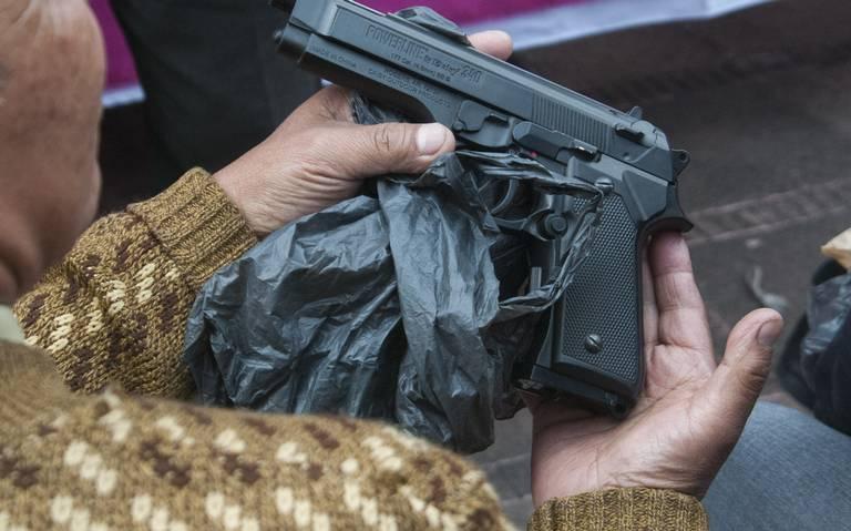 Mujeres piden portar armas por violencia de género