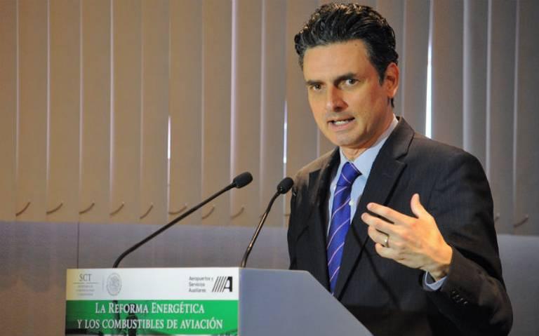 Guillermo García Alcocer renuncia como presidente de la CRE