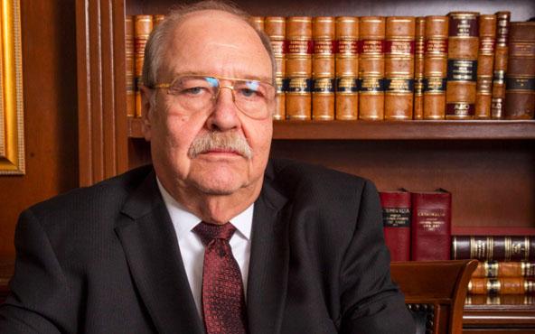 """""""Con todo respeto mi amigo, no voy a exponer a mi cliente"""": Javier Coello, Abogado de Lozoya Austin"""