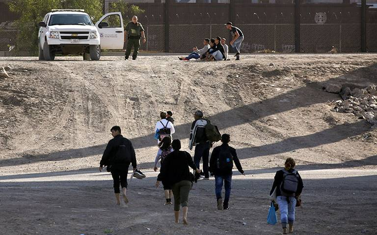Se disparan detenciones de migrantes mientras México intenta detener aranceles