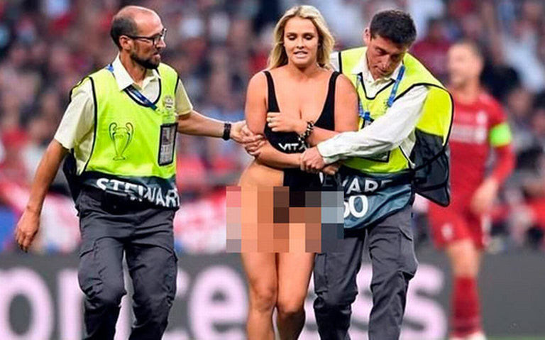 Kinsey Wolanski: la sensual modelo que invadió la cancha en la final de la Champions League