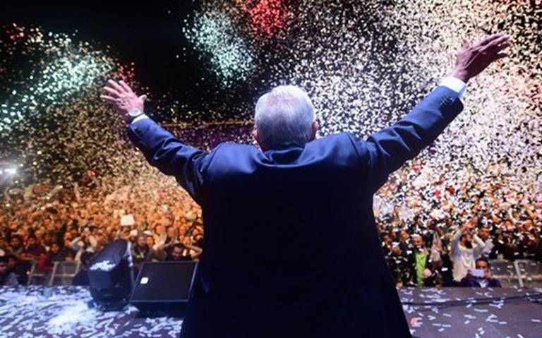 "Invita AMLO a festejar triunfo electoral con ""bailongo austero"""