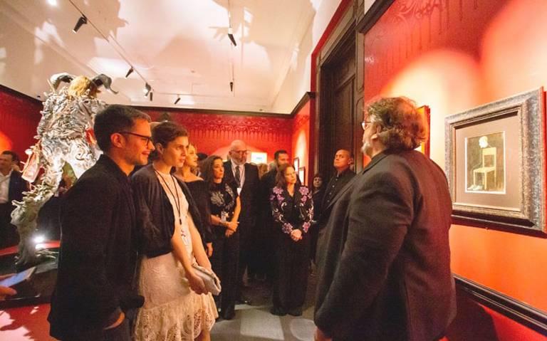 """Del Toro recibe a sus otros amigos """"En Casa con mis monstruos"""""""