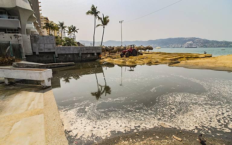 Piden hoteleros redoblar acciones para evitar contaminación a la bahía