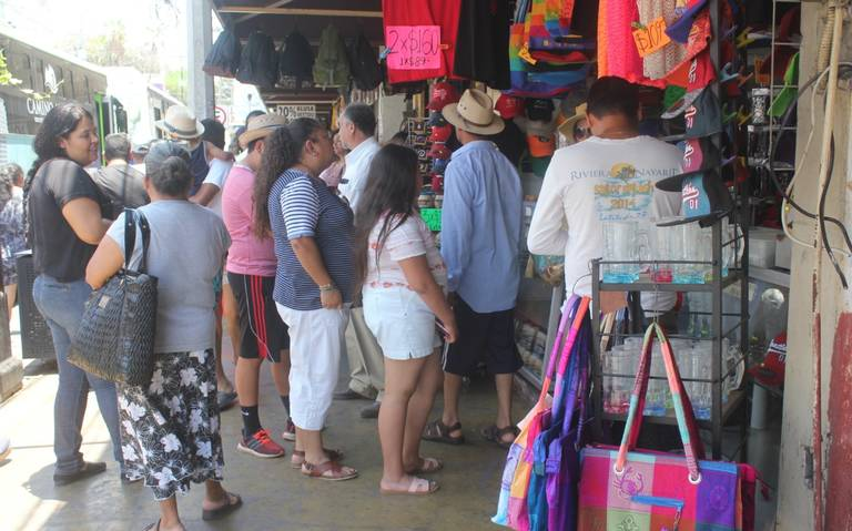 Ya están listos para el verano en el Mercado Pino Suárez