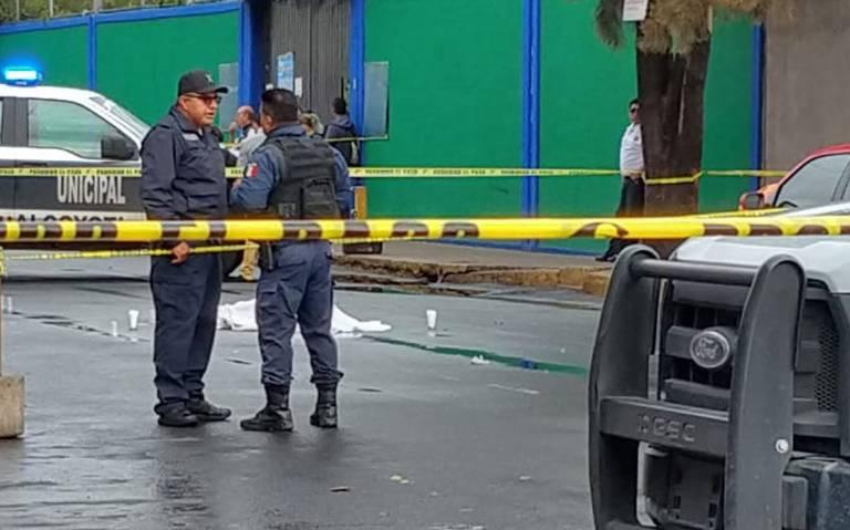 Balacera frente a primaria en Neza deja un muerto y un menor lesionado