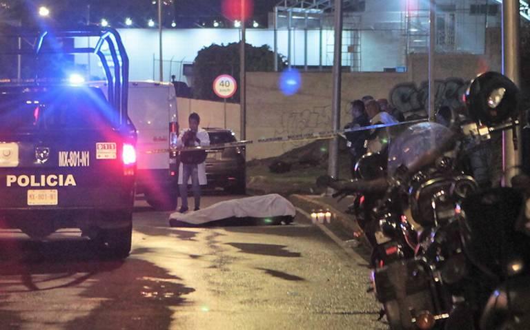 Micro atropelló y mató a motociclista en Insurgentes Norte