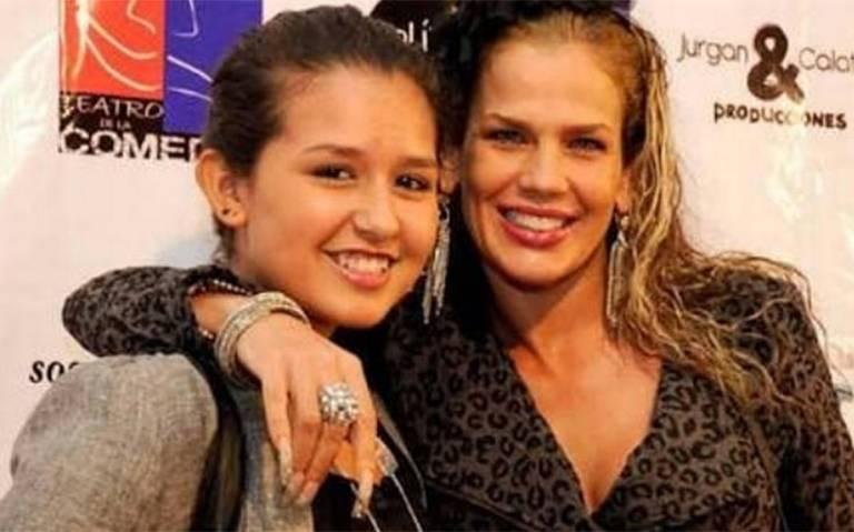 Niurka explota en redes luego de que acusaran a su hija de fumar marihuana