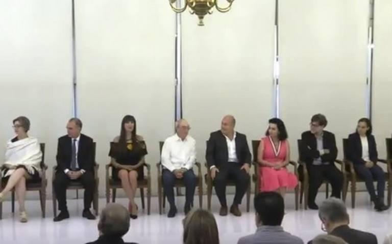 Enrique Alfaro entrega Premio Jalisco a mujeres y hombres ilustres