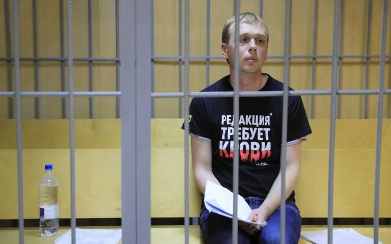 Liberan al periodista ruso Golunov; suspenden a policías implicados en el arresto