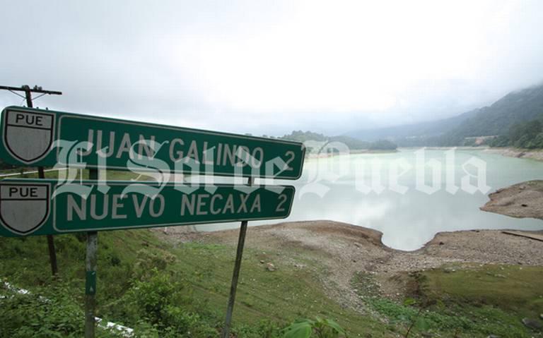 Donan al Sindicato Mexicano de Electricistas predio de la Presa Necaxa