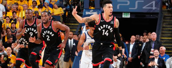 Raptors domina y derrota a Warriors en la Bahía