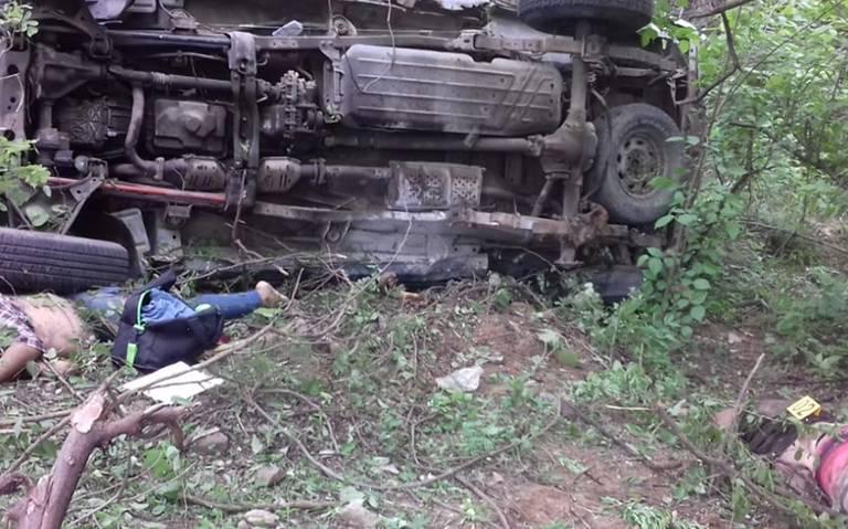 Mueren tres mujeres en falta volcadura en el Istmo