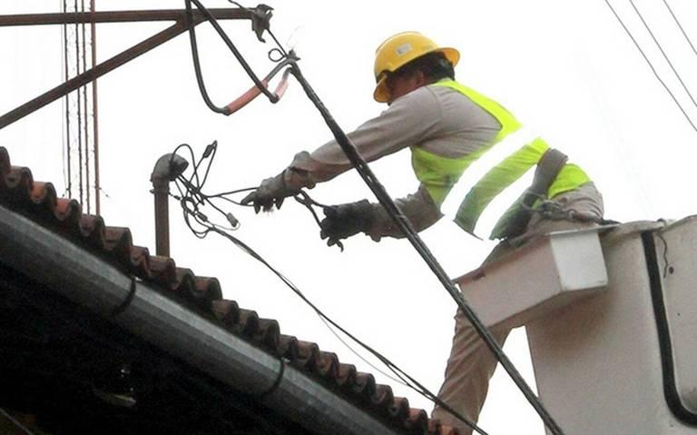 90 ayuntamientos veracruzanos no quieren pagar luz; adeudan a CFE casi $300 millones