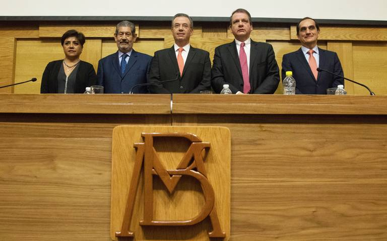 Se asoma recesión en junta de Banxico