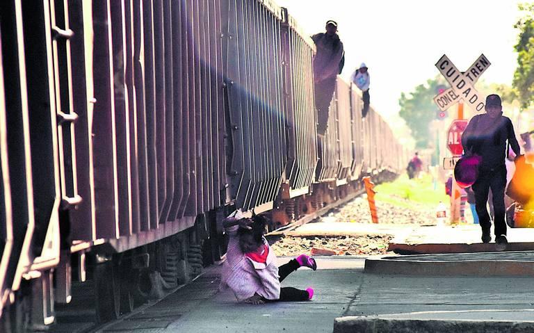 Migrantes usan falsas credenciales del INE