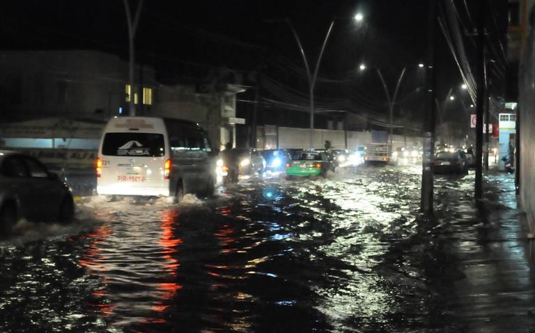 Lluvia causa estragos en el centro del país