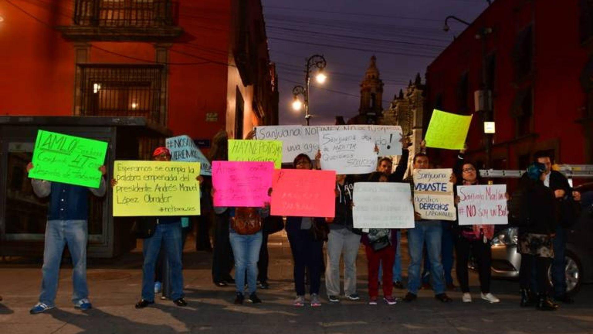Extrabajadores de Notimex exigen su reinstalación