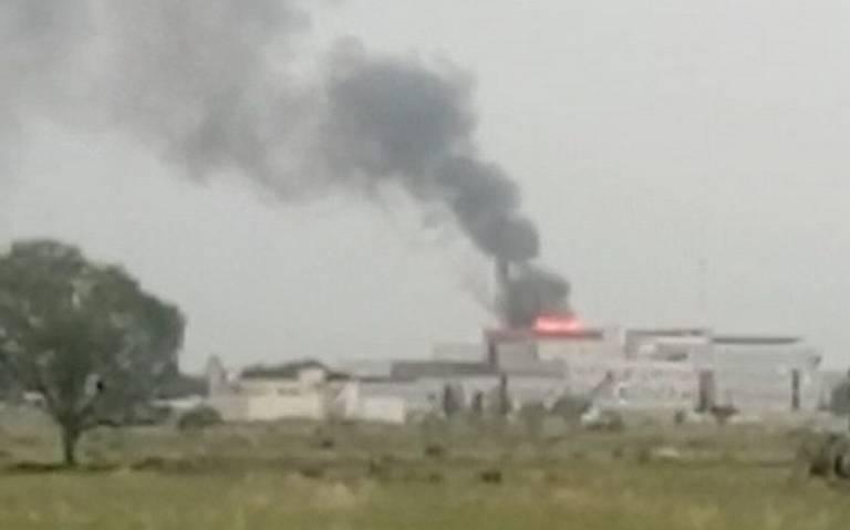 [Video] Incendio consume parte alta del Hospital en Zumpango