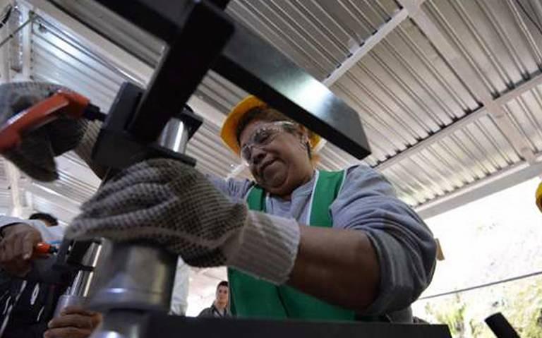 Producción industrial en México cae 2.1% durante mayo