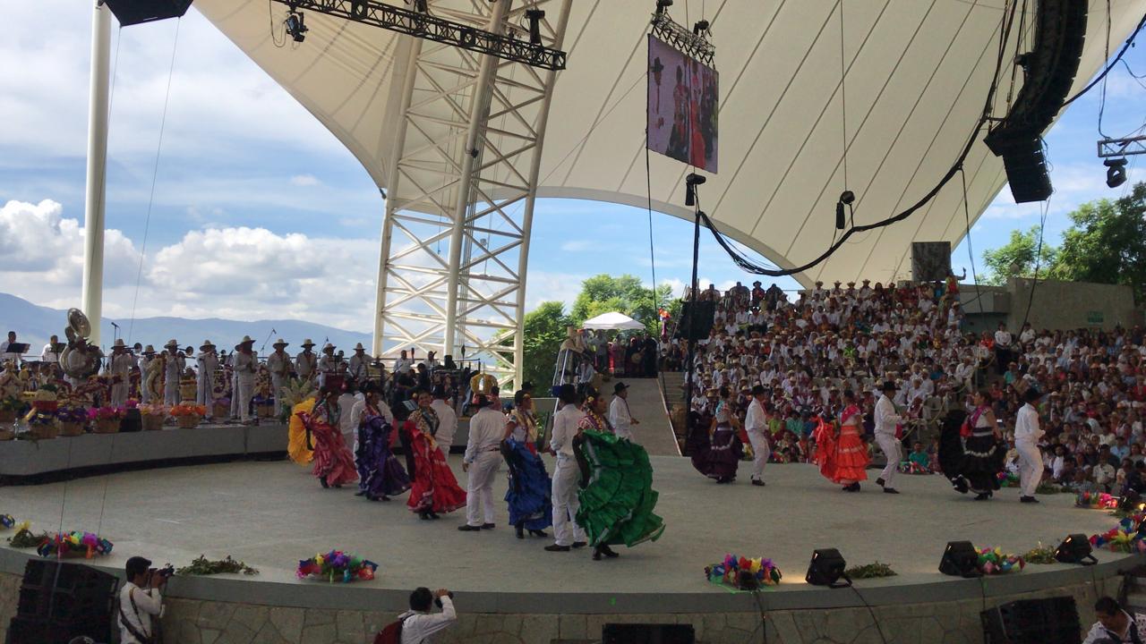 [En Vivo]  Celebra Oaxaca su Guelaguetza